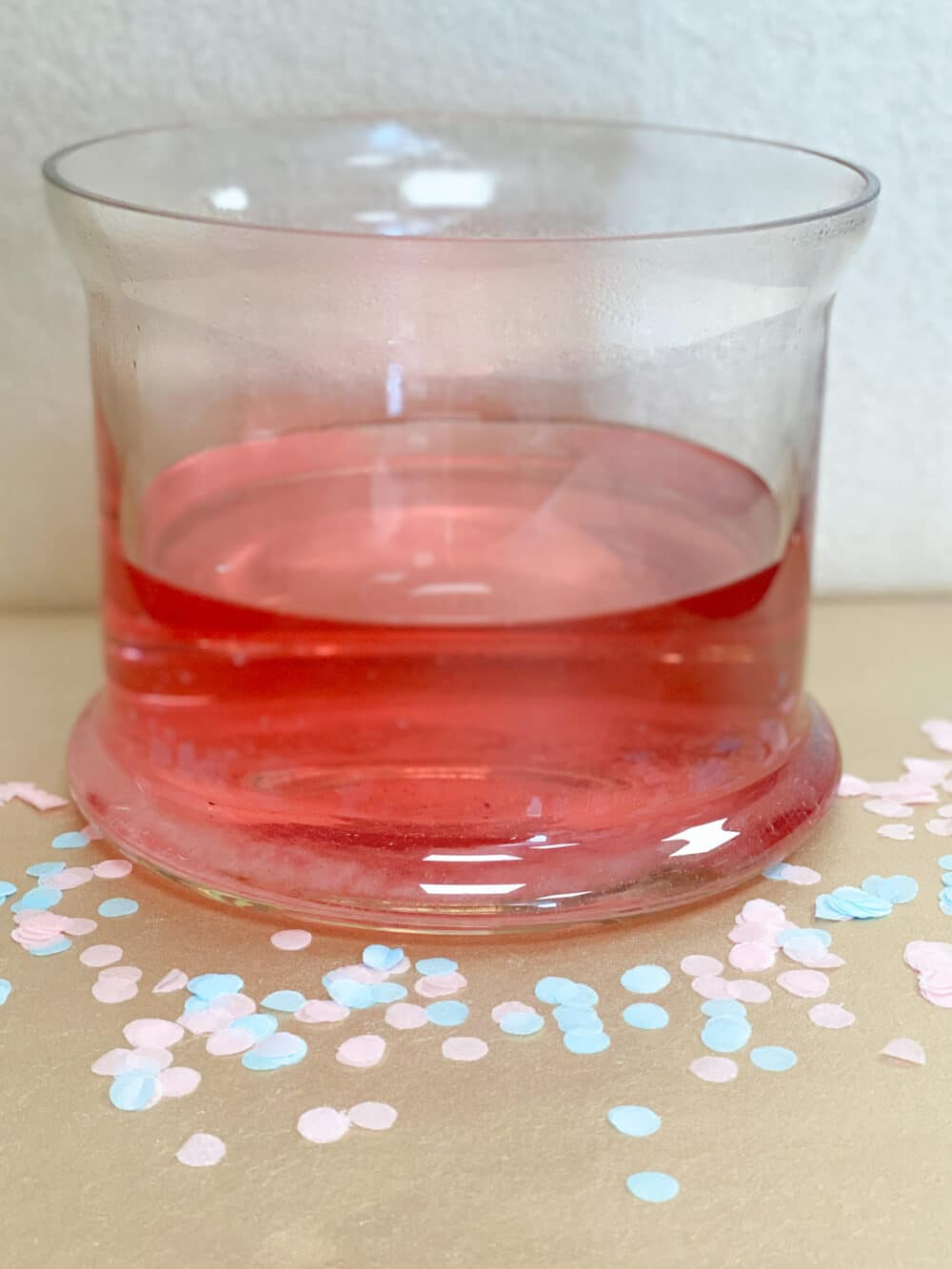 gender reveal bruisbal roze